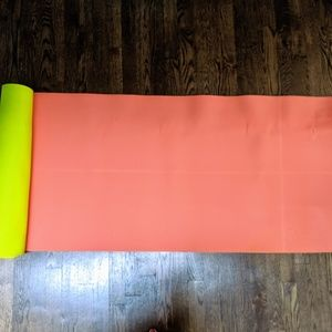 Lululemon Reversible Yoga Mat 3mm Neon Pink+Green